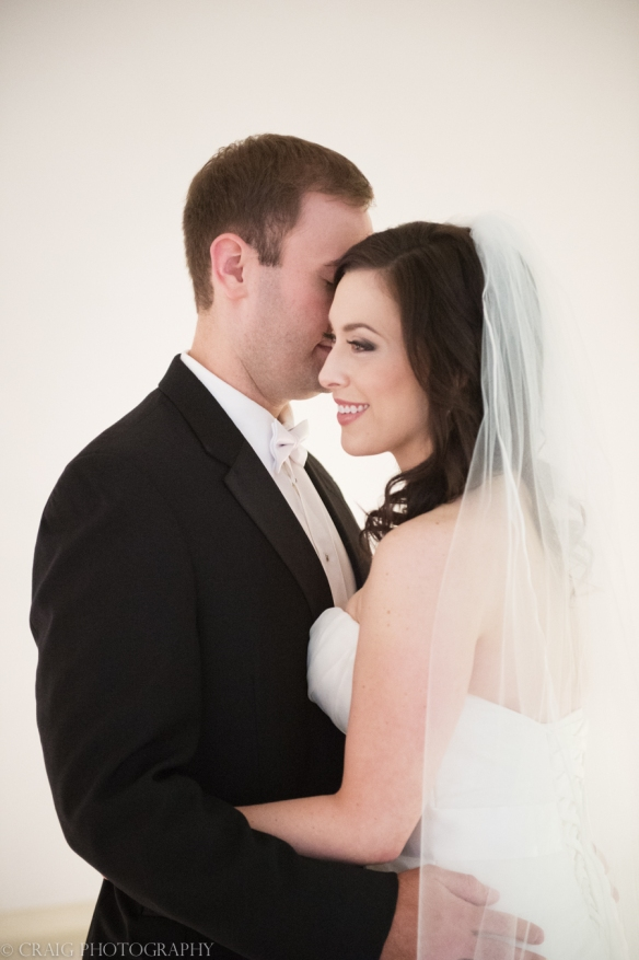 Carnegie Museum Hall of Sculptures Wedding Photos-0003