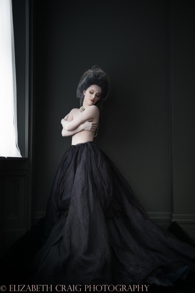 Baroque Boudoir | Elizabeth Craig Photography-014