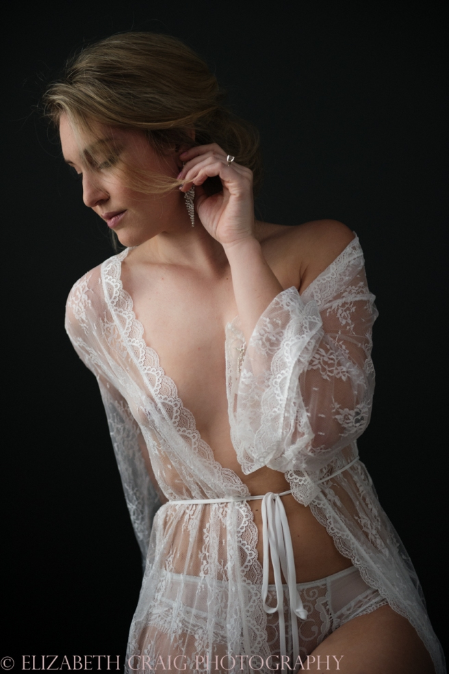Romantic Bridal Boudoir Photos | Elizabeth Craig Photography-10